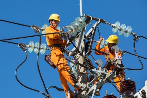 Điện lực miền Trung cảnh báo tiền điện tăng cao trong mùa dịch Covid-19