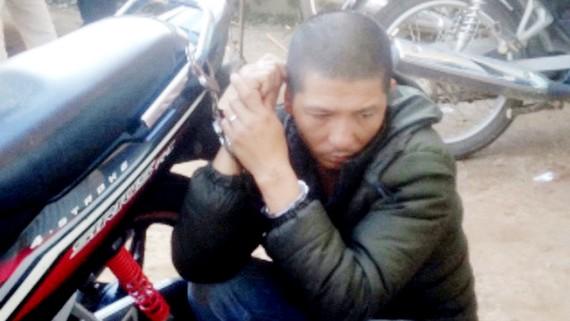 Đối tượng Đỗ Văn Vinh bị lực lượng chức năng bắt giữ
