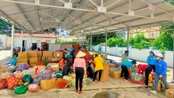 Nông sản do người dân Lâm Đồng đóng góp hỗ trợ TPHCM