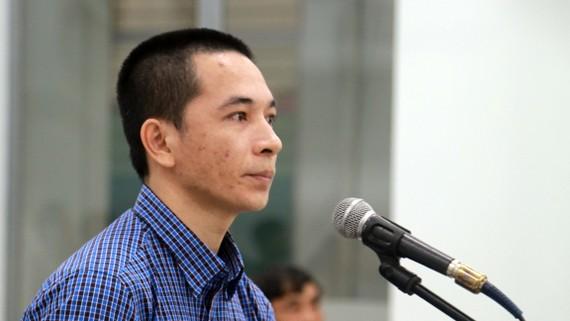 Bị cáo Việt tại tòa