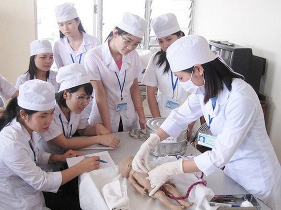 Các ứng viên Việt Nam học nghề điều dưỡng tại Đức