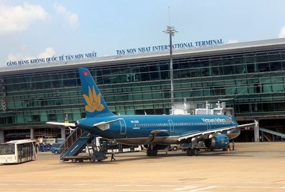 The Ministry of Transport plans to spend VND350.5 trillion (US$15.4 billion) to develop the country's aviation industry from now until 2030. (Photo: baodautu.vn)