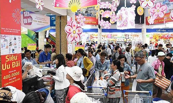 Holiday purchasing power doubles in HCMC supermarkets