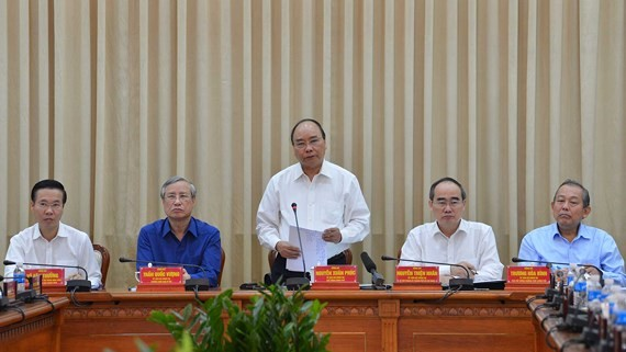 Prime Minister Nguyen Xuan Phuc delivers a speech at the conference. (Photo: SGGP)
