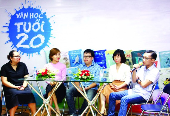 Young writers with works entering the final round of the sixth 'Van hoc tuoi 20' (Literature at your 20s) competition (Photo: SGGP)