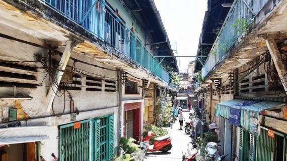 43 Binh Tay apartment building belongs to dangerous group in urgent need of removal (Photo: SGGP)