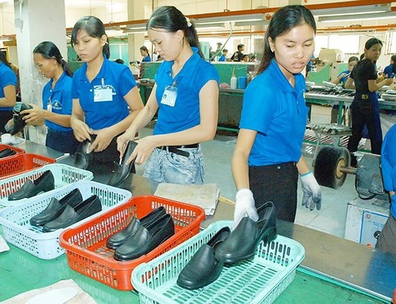 Footwear production at a firm. (Photo: SGGP)