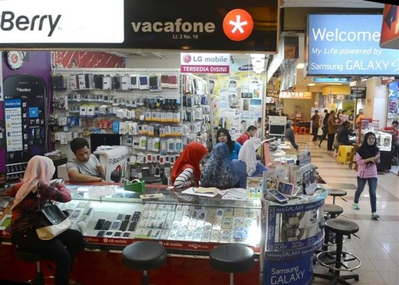 A mobile phone store in Jakarta, Indonesia (Photo: AFP/VNA)
