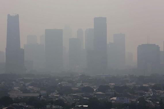 Jakarta is facing serious air pollution. (Source: thejakartapost.com)