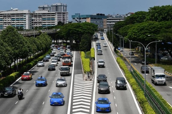 Drivers in Singapore who commit traffic offences due to irresponsible driving now face significantly longer jail terms and tougher penalties (Photo: www.straitstimes.com)