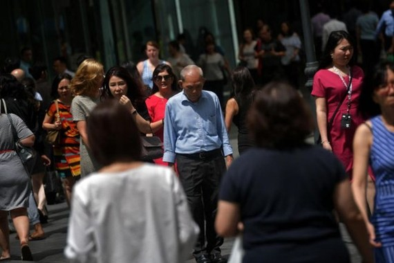 The tight manpower situation in Singapore is due mainly to an ageing workforce, low total fertility rate and greater restrictions on the inflow of foreign manpower due to social and political factors, according to the report.(Photo: New Straits Times)