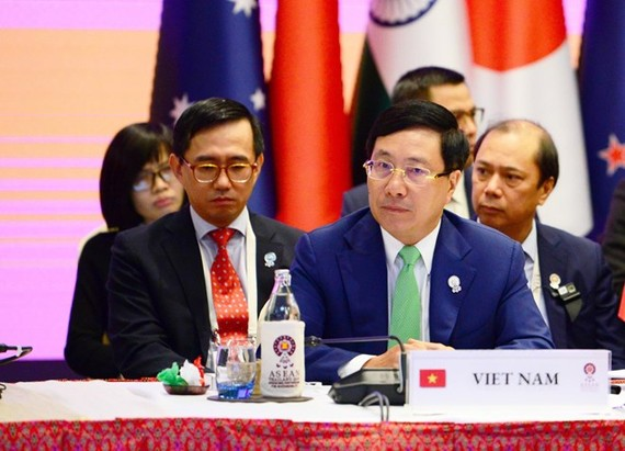 Deputy Prime Minister and Foreign Minister Pham Binh Minh at the 9th EAS Foreign Ministers' Meeting in Bangkok (Photo: VNA)