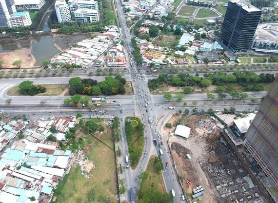Junction at Nguyen Van Linh - Nguyen Huu Tho crossing to be built (Photo: SGGP)