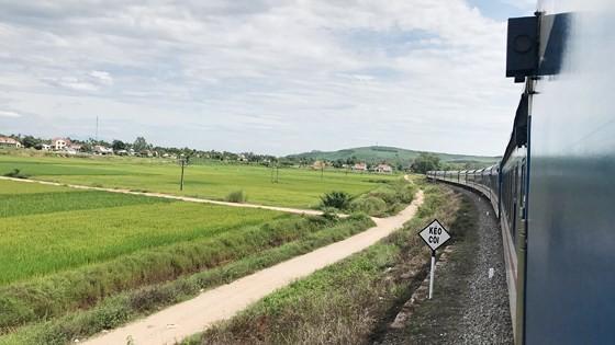 The SE4 train on North-South railway (Photo: SGGP)