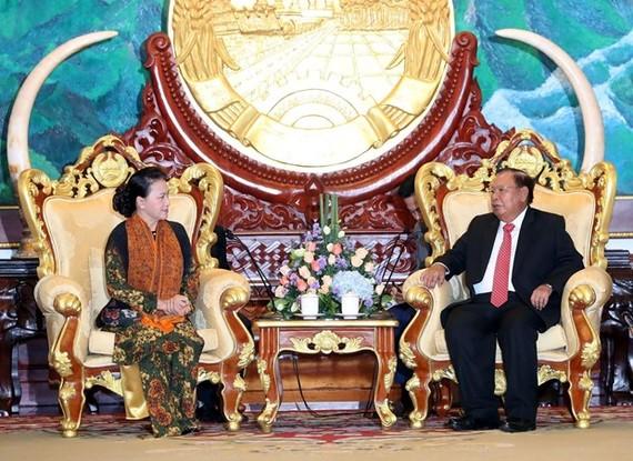 NA Chairwoman Nguyen Thi Kim Ngan and Lao Party General Secretary and President Bounnhang Vorachith (Photo: VNA)