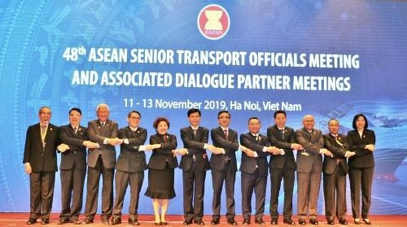 The 48th ASEAN Senior Transport Officials Meeting (STOM 48) and Associated Dialogue Partner Meetings kick off in Hanoi on November 11. (Photo: VNA)