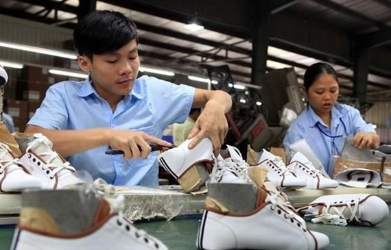 Vietnam is expected to have a 5.1 percent increase in salary in 2020 (Photo: VNA)