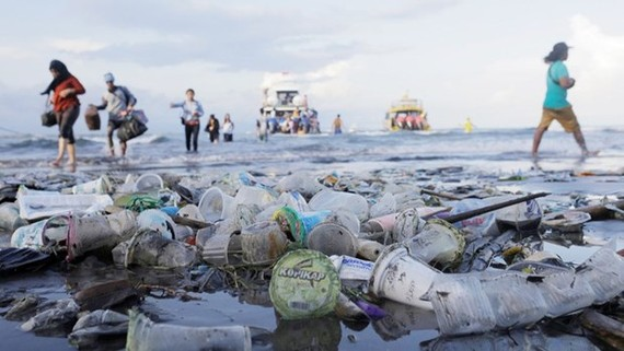 Plastic waste at Sanur beach in Bali, Indonesia. (Photo:Reuters)