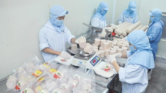 Manufacture of necessities in a HCMC-based factory
