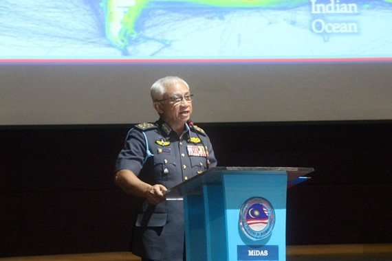 Chief of the Malaysian Armed Forces Haji Affendi Buang speaks at the Perwira Dialogue 2020 on February 24 (Photo: VNA)