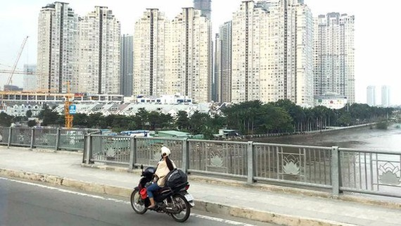 Housing prices still see uptrend in the market (Photo: SGGP)
