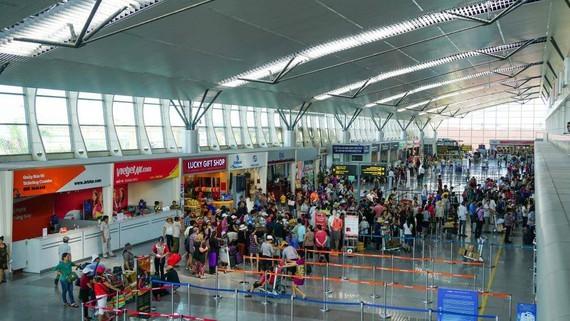 At Da Nang International Airport (Photo: SGGP)