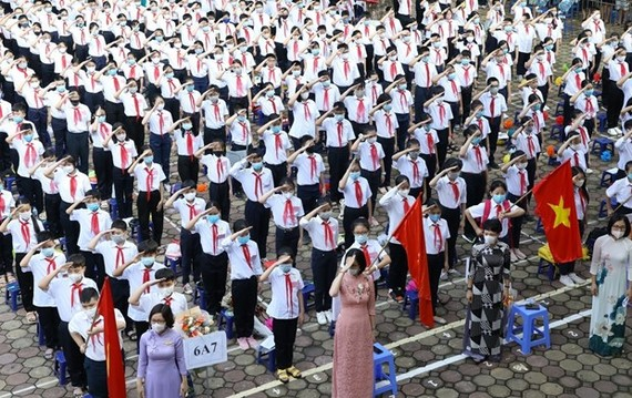 The new schoolyear ceremony at Giang Vo school in Hanoi (Photo: VNA)