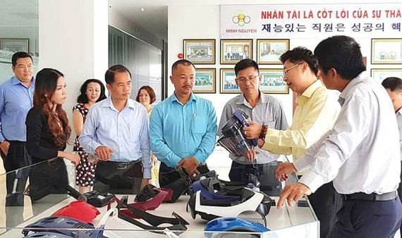 Product demo at a Vietnam-based company founded by overseas Vietnamese