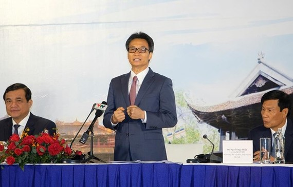 Deputy Prime Minister Vu Duc Dam asks for doubling efforts to attract more visitors. (Photo: VNA)
