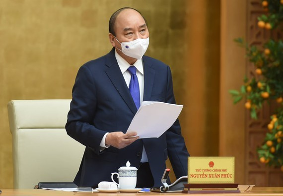 Prime Minister Nguyen Xuan Phuc chairs the meeting (Photo: SGGP)