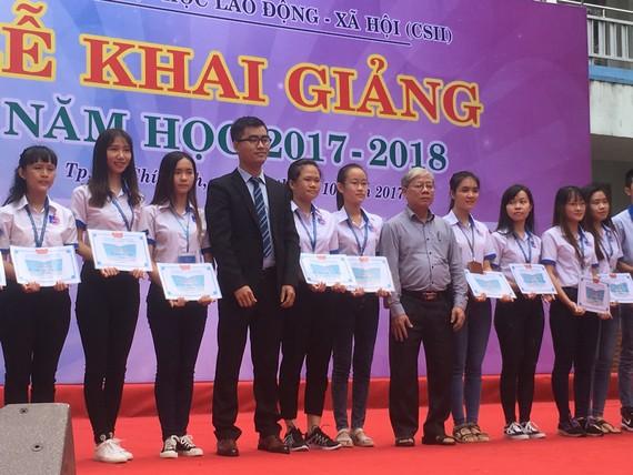 Trao học bổng tài năng cho 66 sinh viên