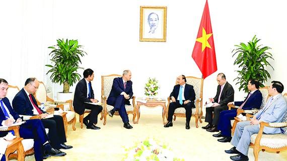Thủ tướngNguyễn Xuân Phúctiếp Ngài Christian Berger, Đại sứ CHLB Đức                                                                                                                                                       Ảnh: TTXVN