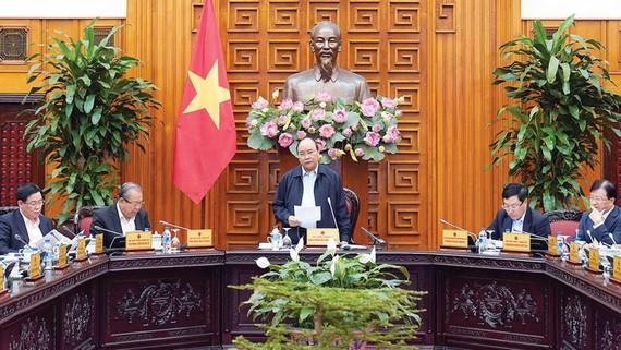 Thủ tướng Nguyễn Xuân Phúc phát biểu chỉ đạo tại hội nghị.  Ảnh: VIẾT CHUNG