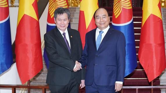 Thủ tướng Nguyễn Xuân Phúc đã tiếp Tổng Thư ký ASEAN Lim Jock Hoi
