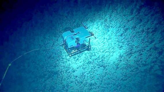 Khai khoáng dưới biển sâu