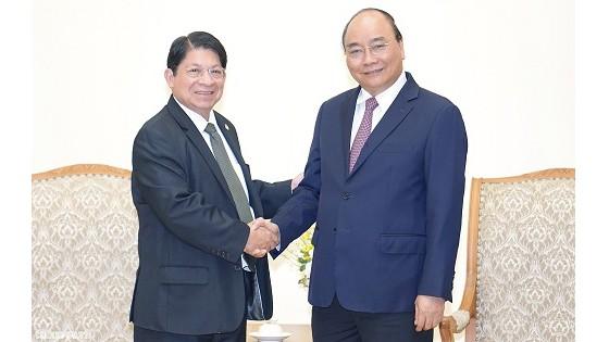 Thủ tướng Nguyễn Xuân Phúc và Bộ trưởng Ngoại giao Nicaragua Denis Ronaldo Moncada Colindre - Ảnh: VGP/Quang Hiếu