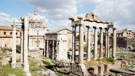 Di tích ngân hàng - đền thờ ở Rome, Italy
