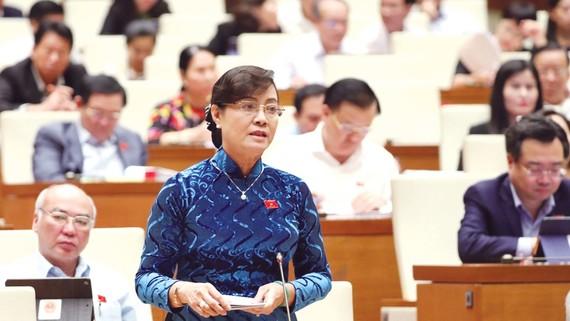 Đại biểu Quốc hội Nguyễn Thị Quyết Tâm (TPHCM)  phát biểu tại kỳ họp. Ảnh: TTXVN