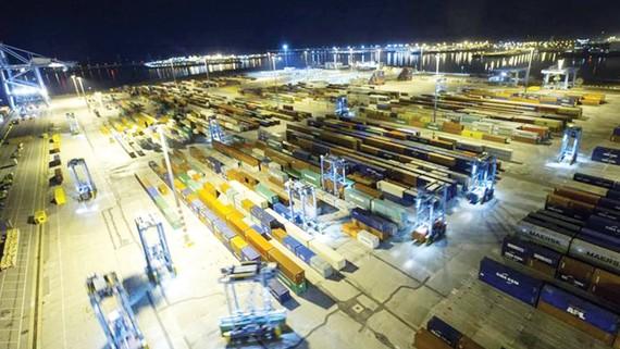 Cảng Zeebrugge - đích nhắm của đường dây buôn người vào châu Âu. Ảnh: Telegraph