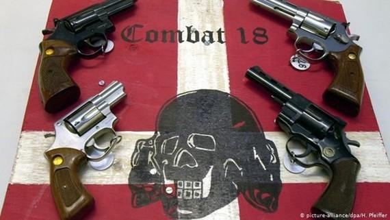 Vũ khí thu giữ trong các cuộc tấn công của các nhóm cực đoan.