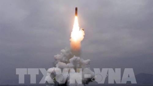 Một vụ thử tên lửa của Triều Tiên ở ngoài khơi vịnh Wonsan ngày 2-10-2019. Ảnh: AFP/TTXVN