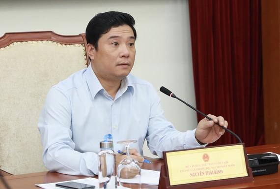 Ông Nguyễn Thái Bình, Chánh Văn phòng, Người phát ngôn Bộ VHTTDL chủ trì họp báo.