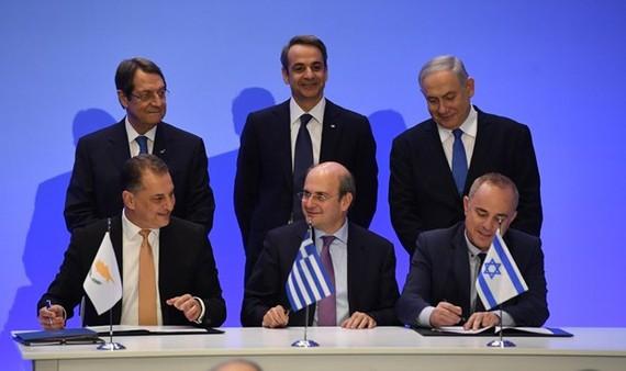 Ba nước ký kết thỏa thuận. Nguồn: tv7israelnews.com