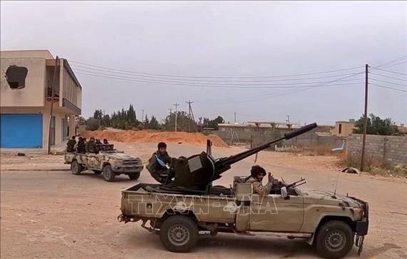 Lực lượng tự xưng Quân đội Quốc gia Libya (LNA) tại Tripoli, Libya. Ảnh tư liệu: AFP/TTXVN