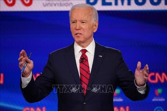 Cựu Phó Tổng thống Mỹ Joe Biden tranh luận trực tiếp trên truyền hình trong cuộc đua trở thành ứng viên tranh cử Tổng thống của đảng Dân chủ, ngày 15-3-2020. Ảnh: AFP/TTXVN