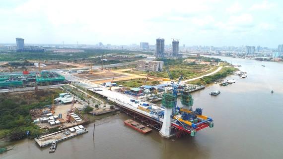 Cầu Thủ Thiêm 2 đang được kéo cáp,  dự kiến thông xe kỹ thuật vào cuối năm nay
