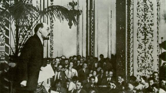 Lênin tại Đại hội 3 Quốc tế Cộng sản  tiến hành vào tháng 6 năm 1921. Ảnh: TƯ LIỆU