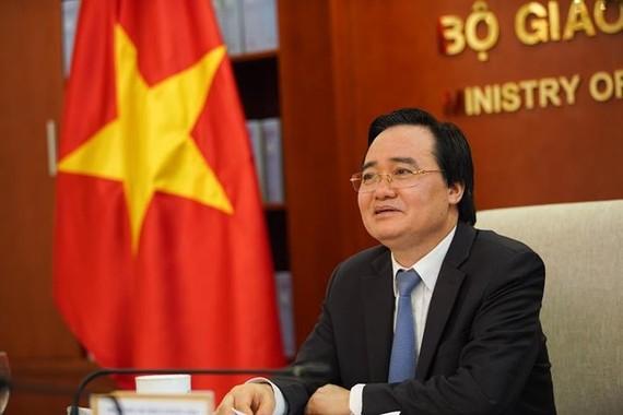 Bộ trưởng Phùng Xuân Nhạ tại cuộc làm việc trực tuyến với Trưởng đại diện UNICEF tại Việt Nam