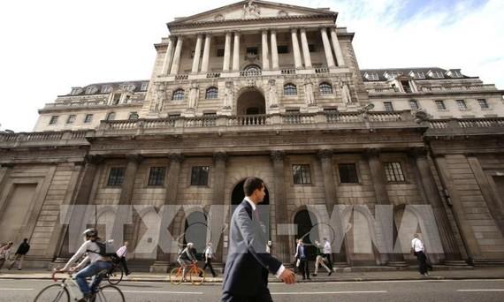 Ngân hàng Trung ương Anh (BOE) tại London. Ảnh: PA/TTXVN