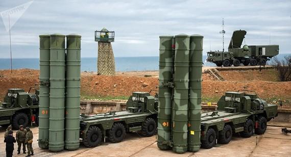 Hệ thống phòng thủ tên lửa S-400 Triumf của Nga. Ảnh: Sputnik